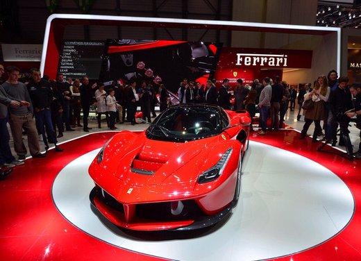 Una Ferrari LaFerrari trasformata in camper - Foto 30 di 31