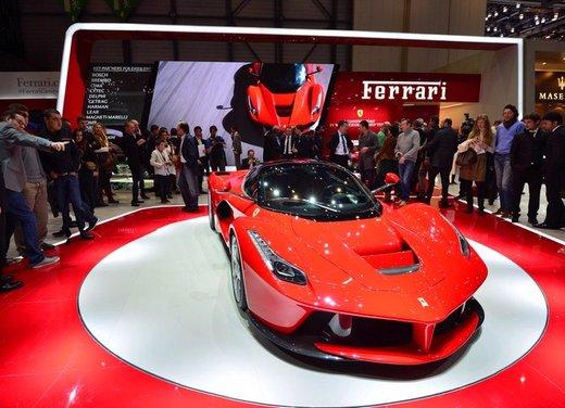 Una Ferrari LaFerrari trasformata in camper - Foto 1 di 31