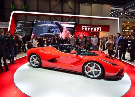 Una Ferrari LaFerrari trasformata in camper - Foto 2 di 31