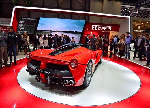 Una Ferrari LaFerrari trasformata in camper - Foto 3 di 31