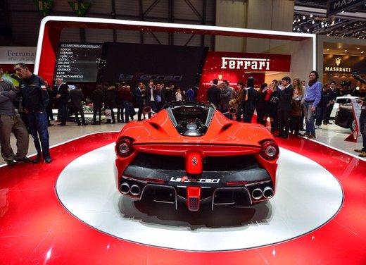 Una Ferrari LaFerrari trasformata in camper - Foto 5 di 31