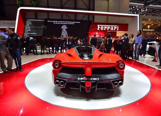 Una Ferrari LaFerrari trasformata in camper - Foto 6 di 31