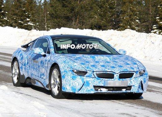 BMW i8, nuove foto spia della coupè ibrida plug-in