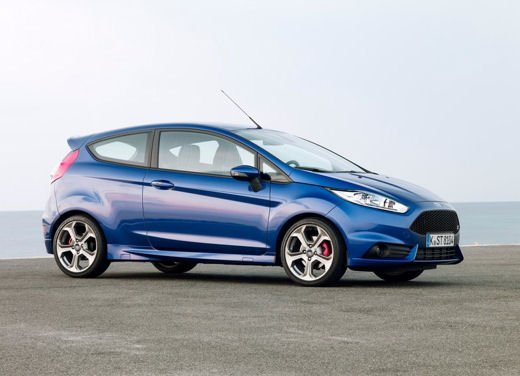 Ford Fiesta ST Auto dell'Anno 2013 per Top Gear - Foto 10 di 14