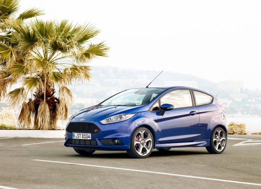 Ford Fiesta ST Auto dell'Anno 2013 per Top Gear - Foto 12 di 14
