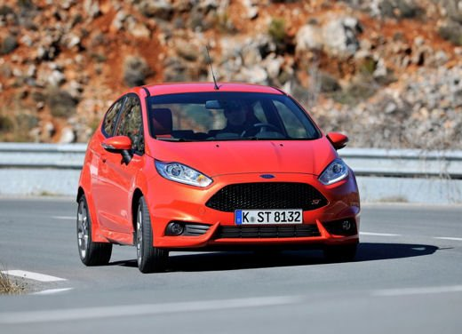 Ford Fiesta ST Auto dell'Anno 2013 per Top Gear - Foto 2 di 14