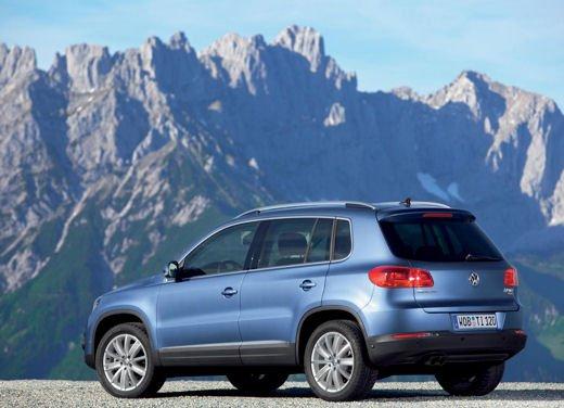 Volkswagen Tiguan in promozione con rate da 280 euro al mese - Foto 3 di 13