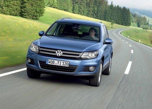 Volkswagen Tiguan in promozione con rate da 280 euro al mese - Foto 8 di 13
