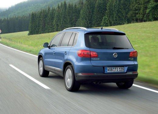 Volkswagen Tiguan in promozione con rate da 280 euro al mese - Foto 9 di 13