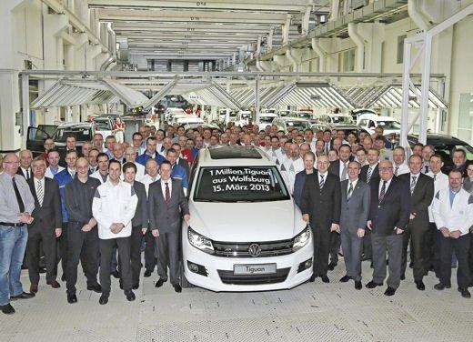 Volkswagen Tiguan in promozione con rate da 280 euro al mese - Foto 1 di 13
