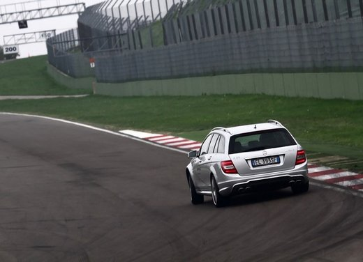 Mercedes AMG Driving Academy con le sportive Classe A 45 AMG,  E 63 AMG e Mercedes CLS 63 AMG - Foto 13 di 14