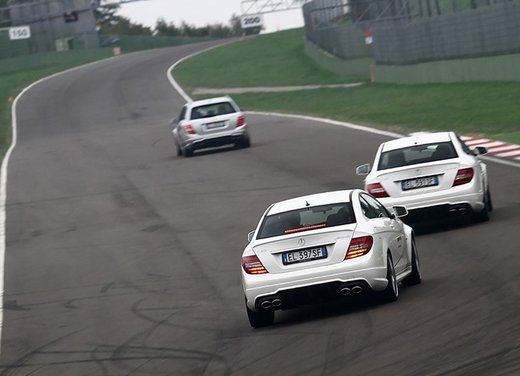 Mercedes AMG Driving Academy con le sportive Classe A 45 AMG,  E 63 AMG e Mercedes CLS 63 AMG - Foto 14 di 14