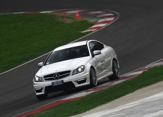 Mercedes AMG Driving Academy con le sportive Classe A 45 AMG,  E 63 AMG e Mercedes CLS 63 AMG - Foto 3 di 14