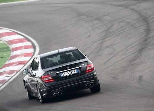 Mercedes AMG Driving Academy con le sportive Classe A 45 AMG,  E 63 AMG e Mercedes CLS 63 AMG - Foto 6 di 14