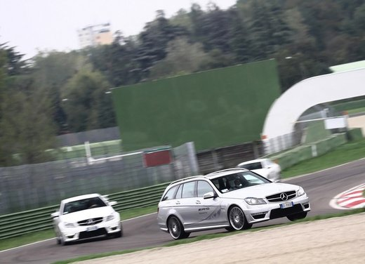 Mercedes AMG Driving Academy con le sportive Classe A 45 AMG,  E 63 AMG e Mercedes CLS 63 AMG - Foto 9 di 14
