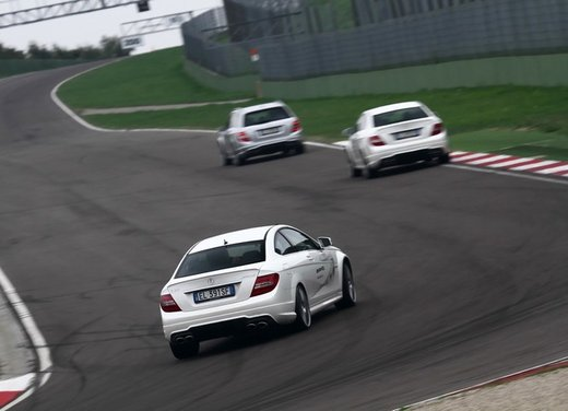 Mercedes AMG Driving Academy con le sportive Classe A 45 AMG,  E 63 AMG e Mercedes CLS 63 AMG - Foto 11 di 14