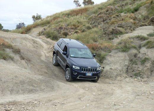Nuova Jeep Grand Cherokee, prova su strada del Suv premium - Foto 1 di 26