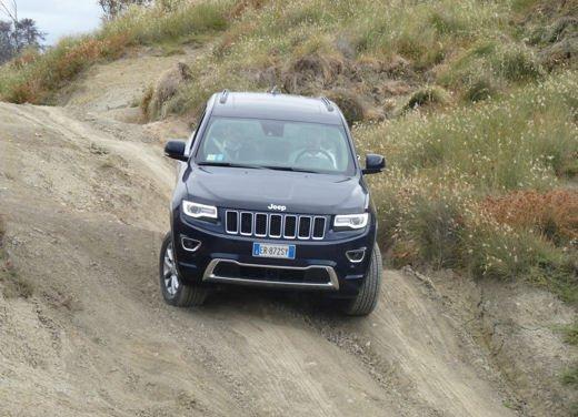 Nuova Jeep Grand Cherokee, prova su strada del Suv premium - Foto 25 di 26