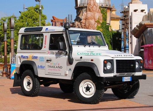 Sognando la Thailandia su una Land Rover Defender