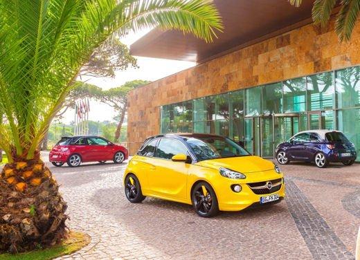 Opel Adam e Valentino Rossi nel nuovo spot Opel - Foto 10 di 26