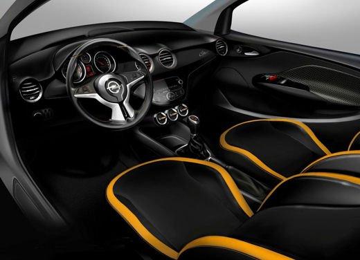 Opel Adam e Valentino Rossi nel nuovo spot Opel - Foto 12 di 26