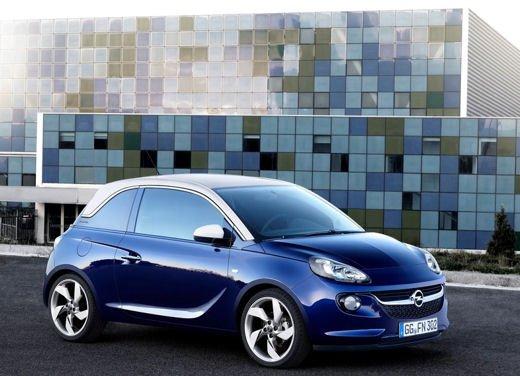 Opel Adam e Valentino Rossi nel nuovo spot Opel - Foto 17 di 26