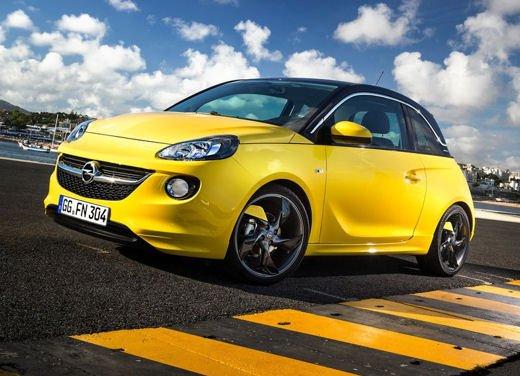 Opel Adam e Valentino Rossi nel nuovo spot Opel - Foto 18 di 26