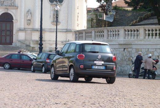 Fiat 500L in promozione a 14.950 euro - Foto 28 di 31