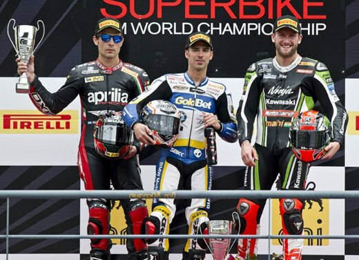 SBK 2013 Germania al Nurburgring doppio incidente in Gara 1 e 2, Tom Sykes primo in classifica - Foto 21 di 23