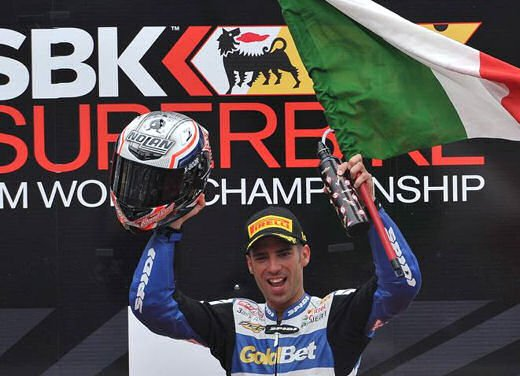 SBK 2013 Germania al Nurburgring doppio incidente in Gara 1 e 2, Tom Sykes primo in classifica - Foto 20 di 23