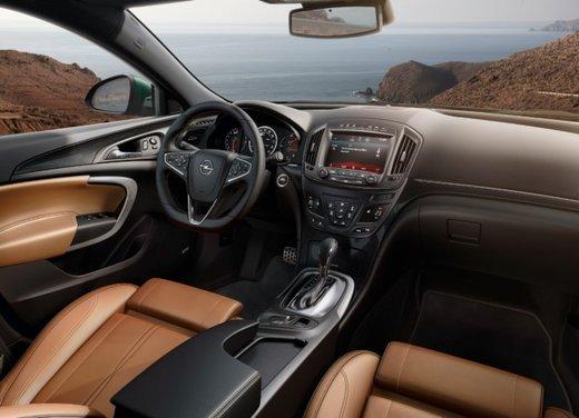 Opel Insignia con myOpel Manual - Foto 1 di 10