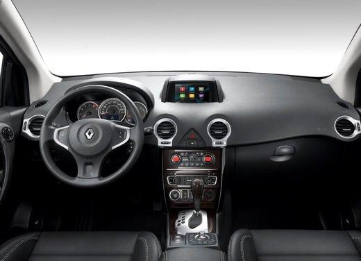 Renault Koleos MY 2013 - Foto 4 di 17