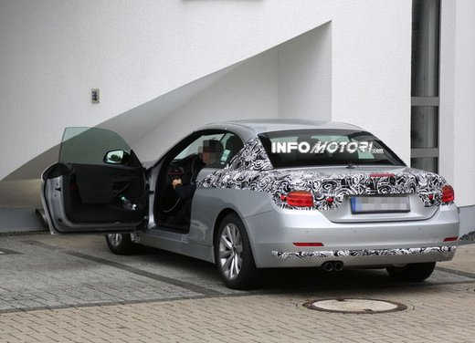 BMW Serie 4 Cabrio nuove immagini spia - Foto 15 di 26