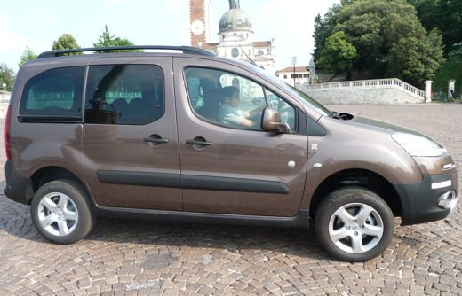 Peugeot Partner Tepee Dangel 4×4 test drive - Foto 2 di 39