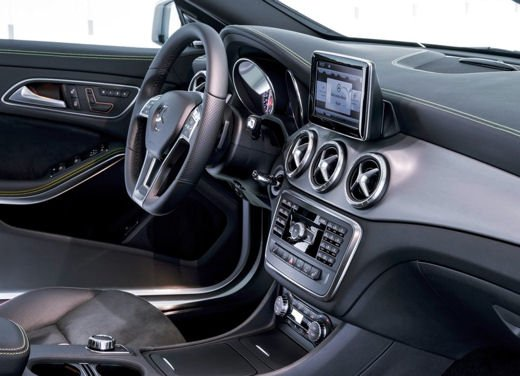 Mercedes CLA long test drive - Foto 29 di 36