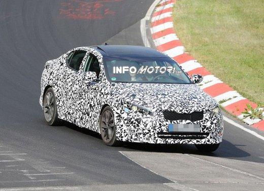Kia Optima foto spia del restyling del modello europeo