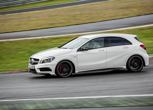 Mercedes Classe A 45 AMG e CLA 45 AMG successo di vendite - Foto 8 di 9