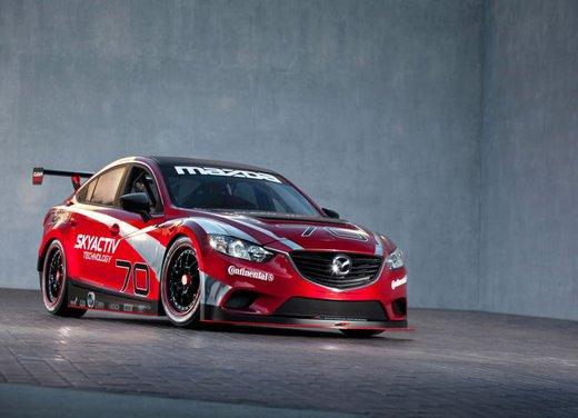 Mazda6 Skyactiv vincitrice della gara Motor Speedway a Indianapolis