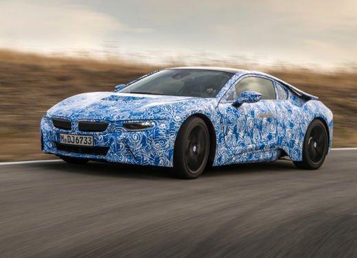 BMW i8, info tecniche e dati della ibrida sportiva - Foto 12 di 14