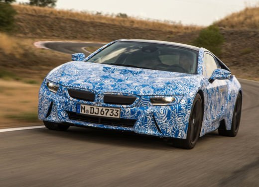 BMW i8, info tecniche e dati della ibrida sportiva - Foto 13 di 14