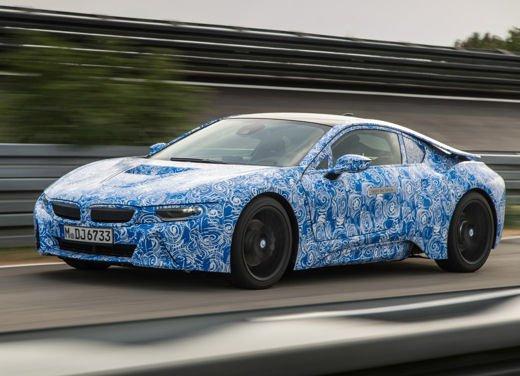 BMW i8, info tecniche e dati della ibrida sportiva - Foto 1 di 14