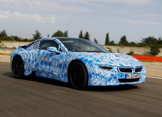 BMW i8, info tecniche e dati della ibrida sportiva - Foto 3 di 14