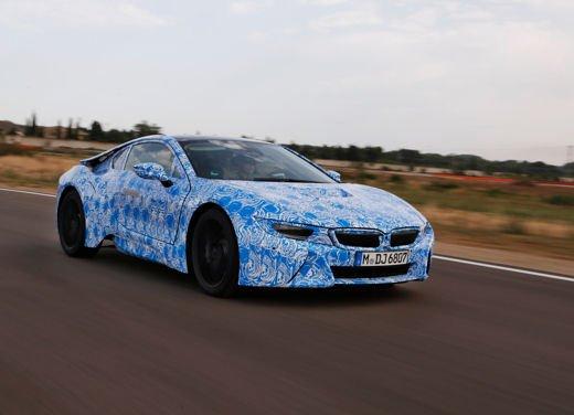 BMW i8, info tecniche e dati della ibrida sportiva - Foto 4 di 14