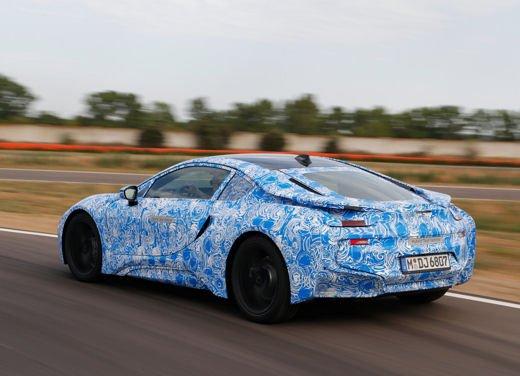 BMW i8, info tecniche e dati della ibrida sportiva - Foto 6 di 14