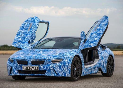 BMW i8, info tecniche e dati della ibrida sportiva