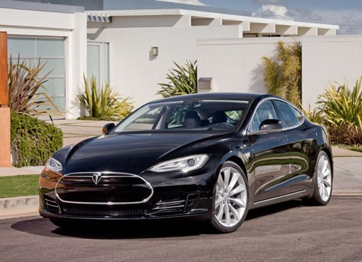 Tesla Model S prezzo da 72.600 euro in Europa