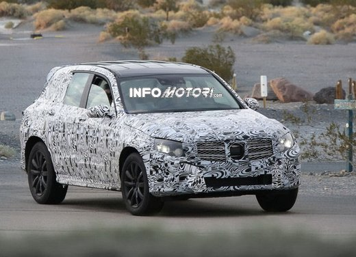 Mercedes GLK foto spia dei primi test su strada