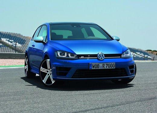 Volkswagen Golf R porta i suoi 300 CV al Salone di Francoforte - Foto 1 di 4