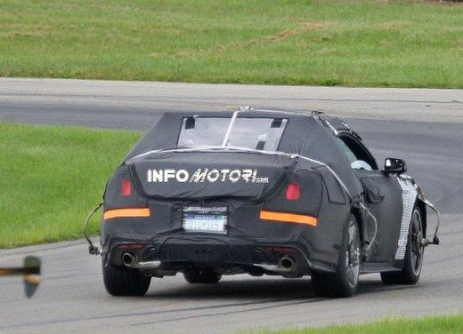 Ford Mustang, foto spia della nuova generazione - Foto 6 di 12