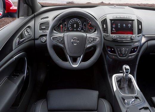 Opel Insignia Sports Tourer - Foto 2 di 6